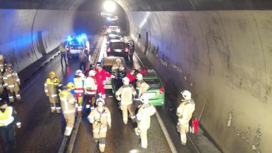 Verkehrsunfall im Brettfalltunnel