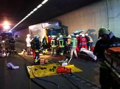 Schwerer Verkehrsunfall im Arlbergtunnel
