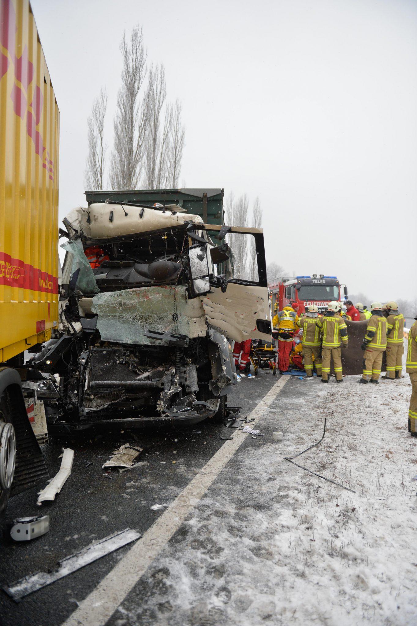 Lkw Unfall A12 Heute