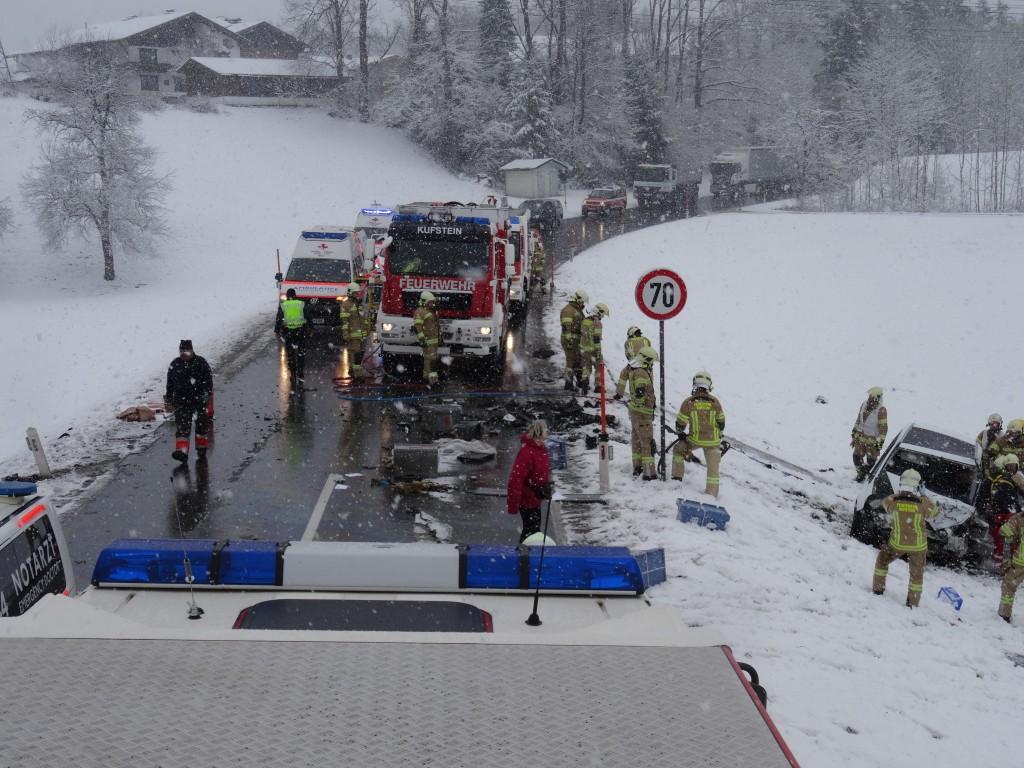 Ein schwerer Verkehrsunfall forderte die Einsatzkräfte.