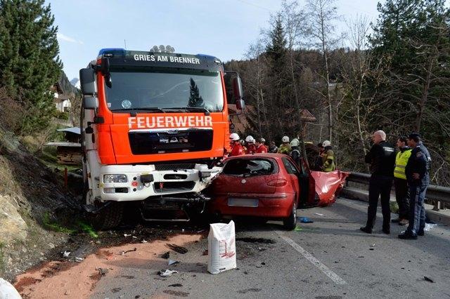 Feuerwehrfahrzeug in Unfall verwickelt