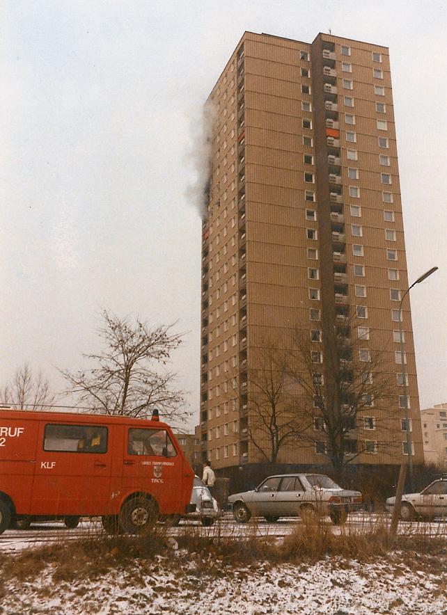 Brand Vöst-Hochhaus 12021985