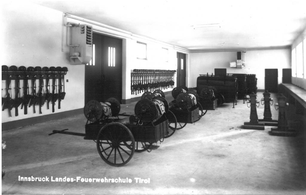 Fahrzeughalle Landes-Feuerwehrschule Innsbruck