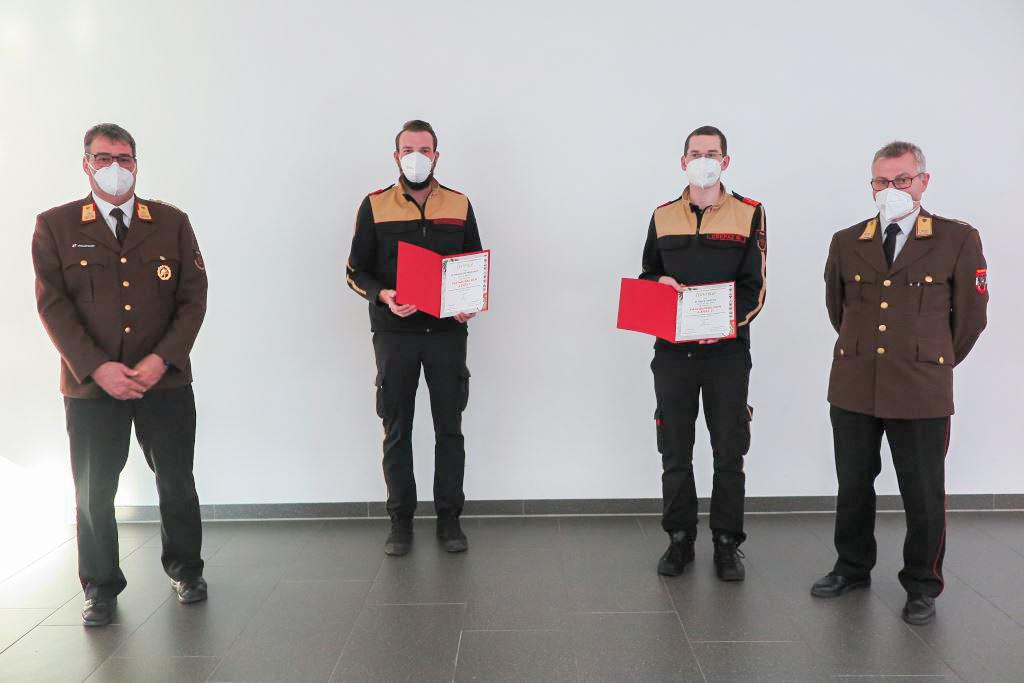 v.l.n.r. OBR Georg Waldhart, BI Dominik Hochenegger, BI Georg Crepaz, FVPräs Franz Humer